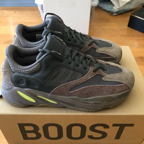 Yeezy Shoes | Boost 700 Mauve Size 9